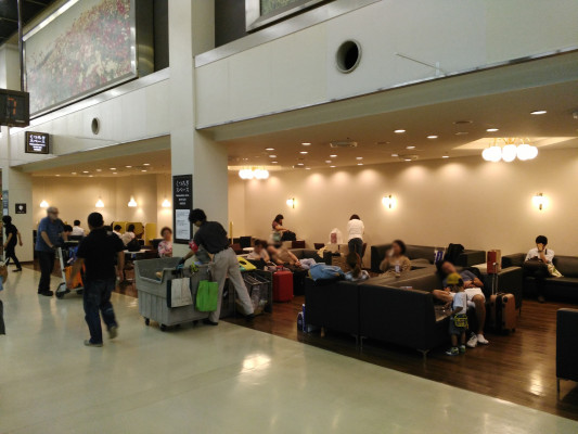 FUK_FukuokaAirport1_1817