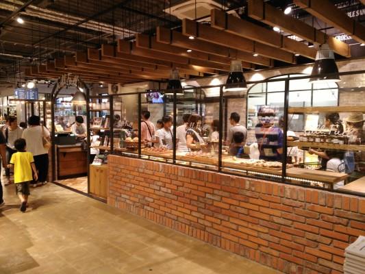 TsutayaBookGarage_Fukuoka_71615
