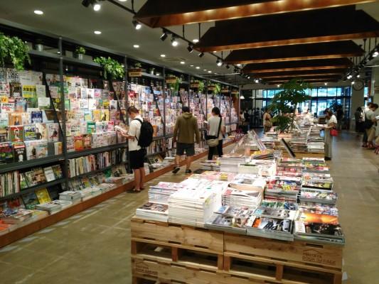 TsutayaBookGarage_Fukuoka_72219